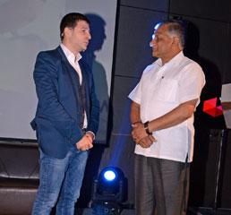 Пламен Русев с Н. Пр. Генерал В. К Сингх, държавен министър на външните работи на Индия в Ню Делхи