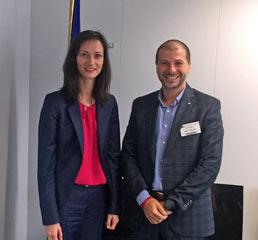 С европейския комисар по Иновации, научни изследвания, култура, образование и младеж.