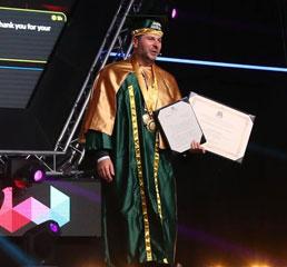 Пламен Русев получава второто си признание почетен доктор - доктор хонорис кауза на UDABOL, един от най-големите университети в Южна Америка.
